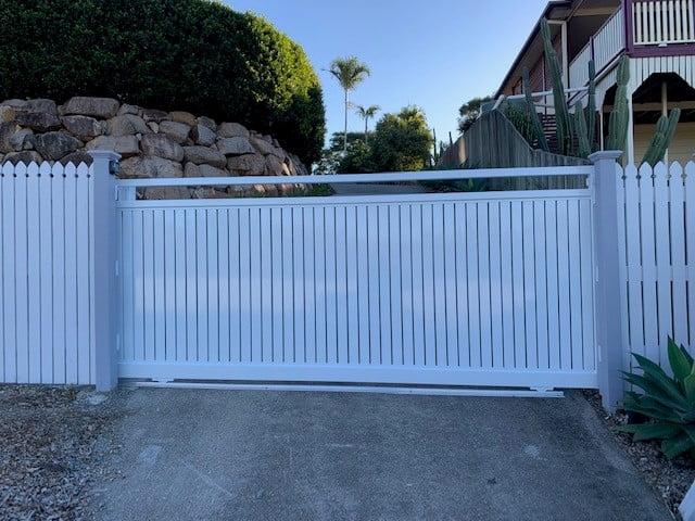 Aluminum Slat Fencing (2)